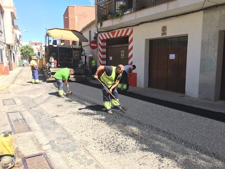 Otra imagen de los trabajos realizados en las calles de Argamasilla de Calatrava