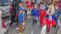 El desfile infantil del carnaval rabanero y la posterior fiesta hicieron las delicias de los niños de Argamasilla de Calatrava