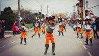 La alta participación y el buen ambientes fueron protagonistas en el desfile de carrozas y comparsas de Porzuna