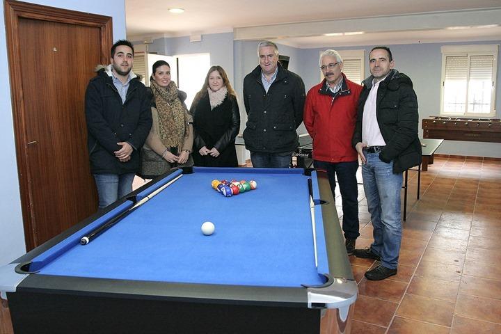 De izquierda a derecha, Roberto Donoso, Virgina López, María Victoria García, José Lozano, Jesús González y Fernando Torres