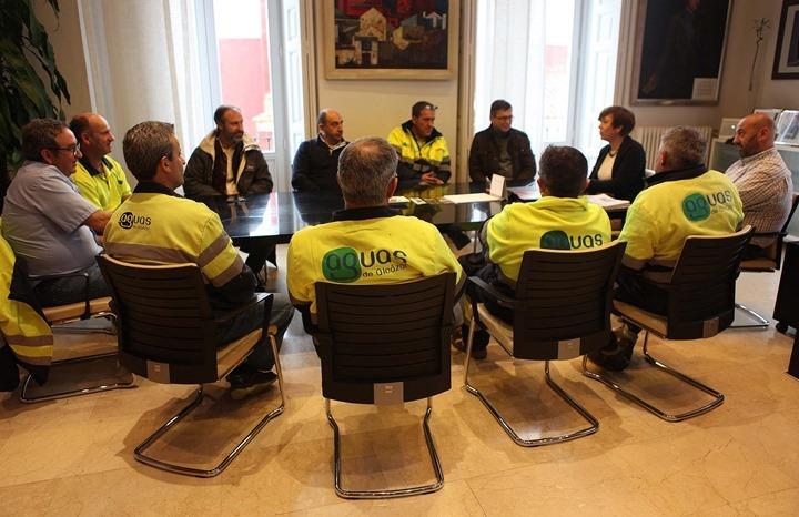 Reunión con los trabajadores de Aguas