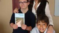 "Presentado en Campo de Criptana el libro ""La Mancha Alta en bicicleta"" cuyos beneficios se destinarán a la asociación ASPRODIC"