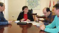 Carmen Olmedo se reúne con el alcalde de Arenales de San Gregorio para conocer las necesidades del municipio