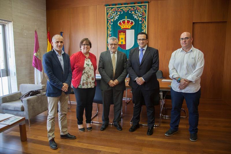Angel Felpeto - Reunion con alcalde Campo de Criptana