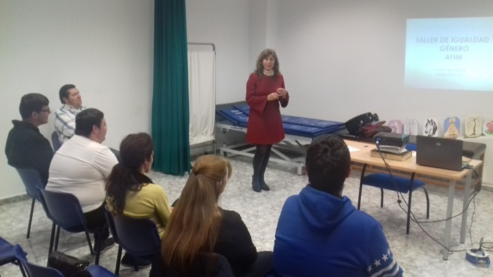 TALLER CENTRO MUJER