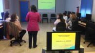 El personal de Servicios Sociales y Centro de Día local de Miguelturra se forma para actuar ante los casos de violencia de género