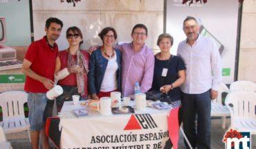 """El Ayuntamiento de Miguelturra apoyó el """"Día Mundial de la Esclerosis Múltiple"""""""