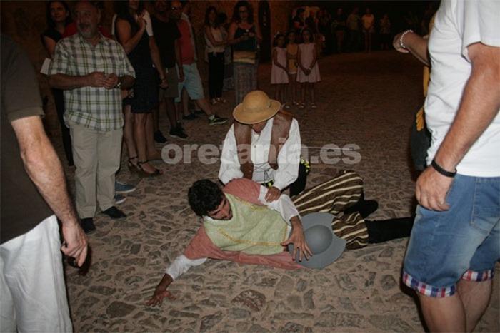 El grupo de teatro 'La Caravana del Arte', de Malagón representó diferentes pasajes del Quijote