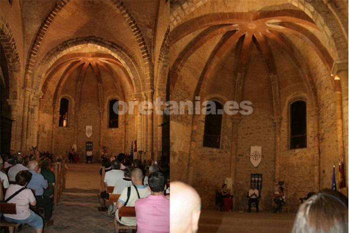 Emiliano López y su grupo de cante flamenco llenaron de cante el edificio principal del castillo