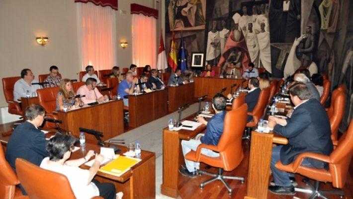 El Pleno aprueba inversiones por 9'8 millones que contemplan más obras en pueblos y una gran reforma en el pabellón ferial de la capital