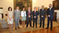 El presidente de Castilla-La Mancha recibe al Consejo de Colegios de Farmacéuticos de Castilla-La Mancha COFCAM