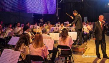 Ignacio Fernández Muñoz fue objeto de un homenaje durante la gala y concierto que promovió la Agrupación Musical de Argamasilla de Calatrava