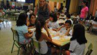 La Escuela de Verano Municipal de Valdepeñas finaliza esta quincena con un desayuno saludable