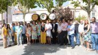 Inaugurado un conjunto escultórico alusivo al sector vinícola