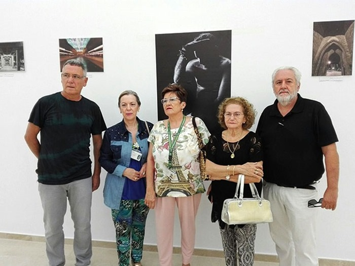 Ventura Huertas y Julio Criado junto a miembros de la delegación de la AECC de Puertollano