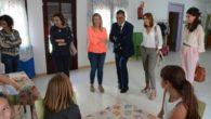 Ayuntamiento y Caixabank seguirán apostando por la Guardería de Vendimia en Tomelloso