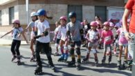 """La cuarta edición de la """"ruta churriega sobre patines"""", recorrió las principales calles de Miguelturra."""