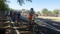 Los escolares de Argamasilla de Calatrava recorren en bici el casco urbano animando así a que mañana sus padres no les lleven en coche a los colegios
