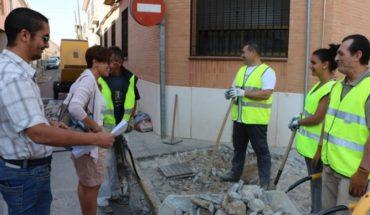 Victoria Sobrino visita el inicio de las obras de accesibilidad y mejora de movilidad en la Calle Real de Miguelturra
