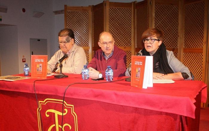 Imagen durante la presentación de la novela de Manuel Ciudad