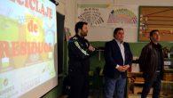 Alcalde de Almagro y presidente del Consorcio RSU visitan el Taller de Reciclaje que se imparte en la localidad