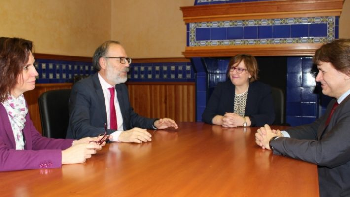 El Gobierno de Castilla-La Mancha traslada a la nueva directora de Repsol Puertollano su colaboración en materia de formación y empleo